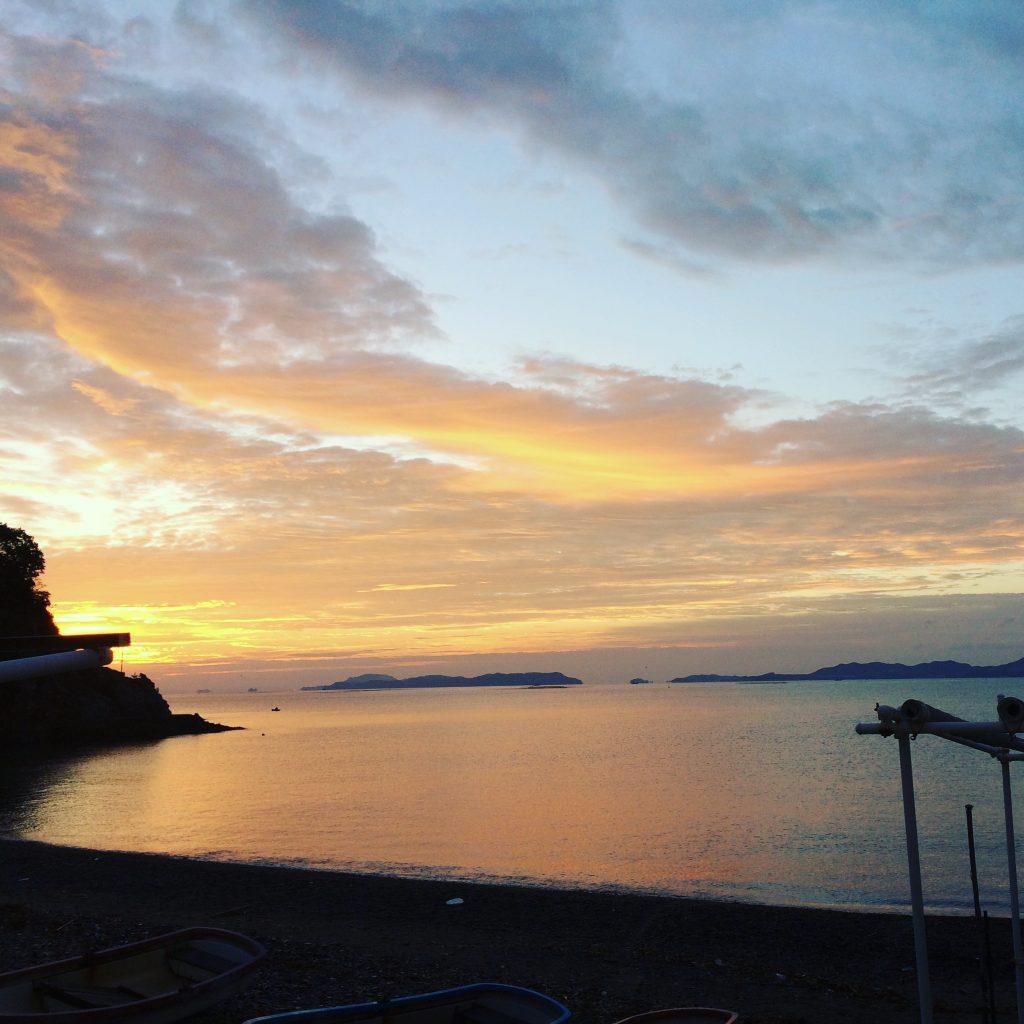 おはようございます 今朝の日の出 だんだんと寒くなり冬の気配を感じてきました